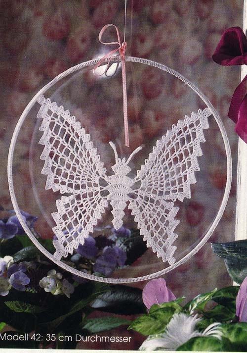 Множество очень красивых и современных бабочек вязаных крючком и схем к ним.