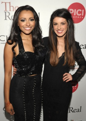 The RealReal Chrysalis Charity Benefit Curated By Shenae Grimes [15 декабря]