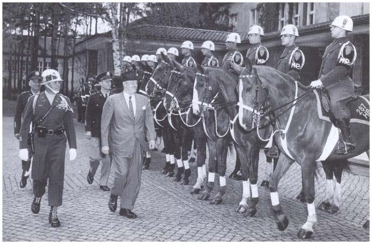 Была создана в октябре 1945 года из военнослужащих и лошадей 78-й кав…
