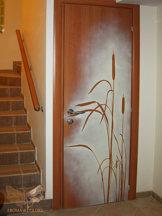 Роспись на двери своими руками
