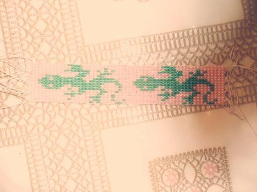 Часть 1. Часть 2. Всё в этом мире связано. http://gallery.ru/watch?a=brel-hWsi.  Кошки и коты - схемы для вязания и...
