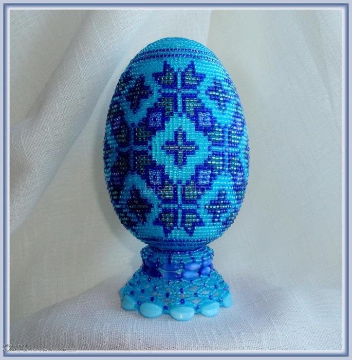 Подставки для яиц из бисера