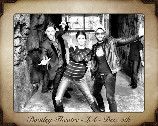 Twitter: Новое совместное фото Никки, Пола и Джексона